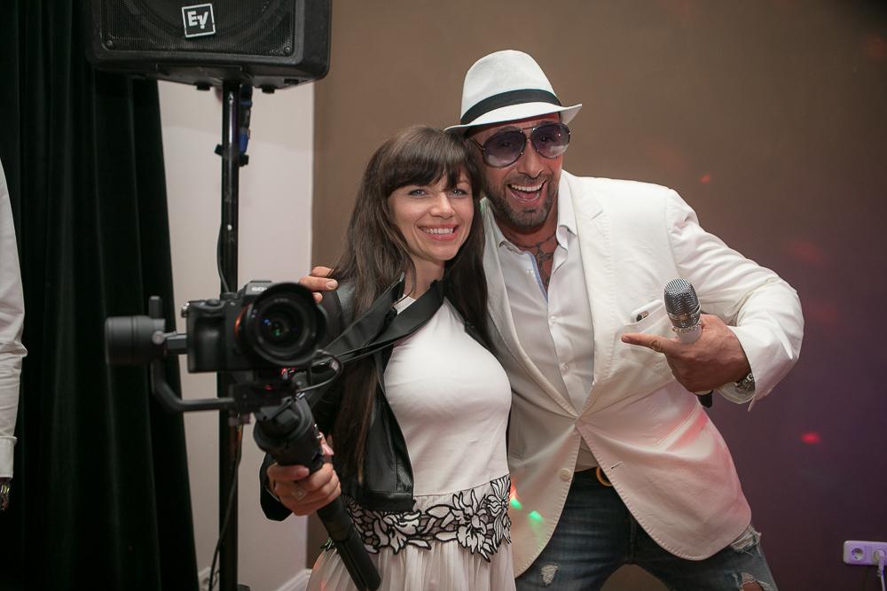 Fotografin mit einem Sänger